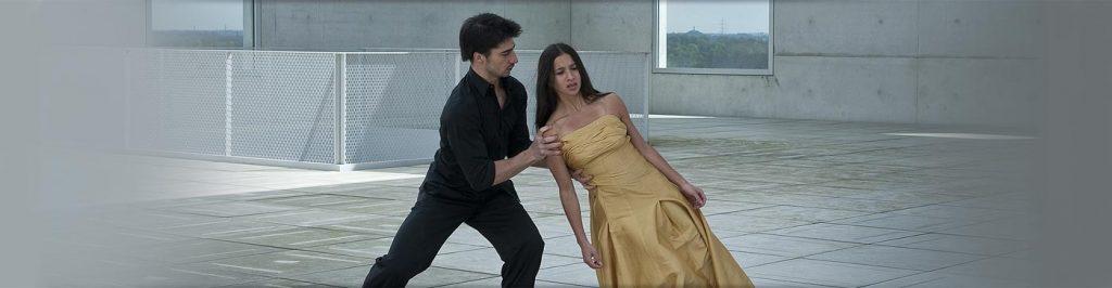 E' stata la prima artista a prendere in considerazione nella danza, i due movimenti e/statico medulari: il Verticale e il Centrale.